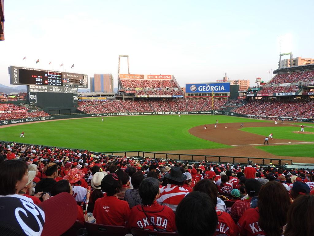 観戦チケット高くても争奪戦必至のマツダスタジアム-オープン戦の入場券までも値上げ-